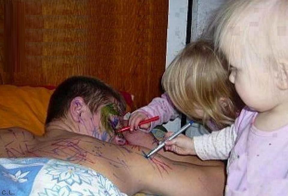 отец дочку в рот и в попу фото.