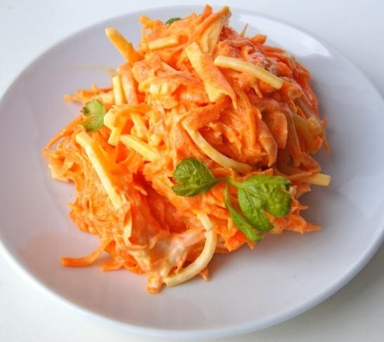 Морковный салат с сыром и чесноком рецепт